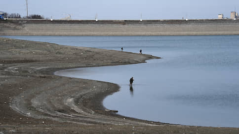 В Симферополе воды хватит до середины июля  / Власти Крыма рассчитывают на дожди