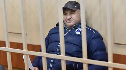 Рауля Арашукова обвинили по полной программе  / Сократив в его эпизоде хищения газа, следствие обвинило его в заказных убийствах