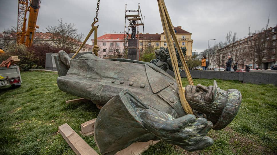 Как Следственный комитет заинтересовался сносом памятника Коневу