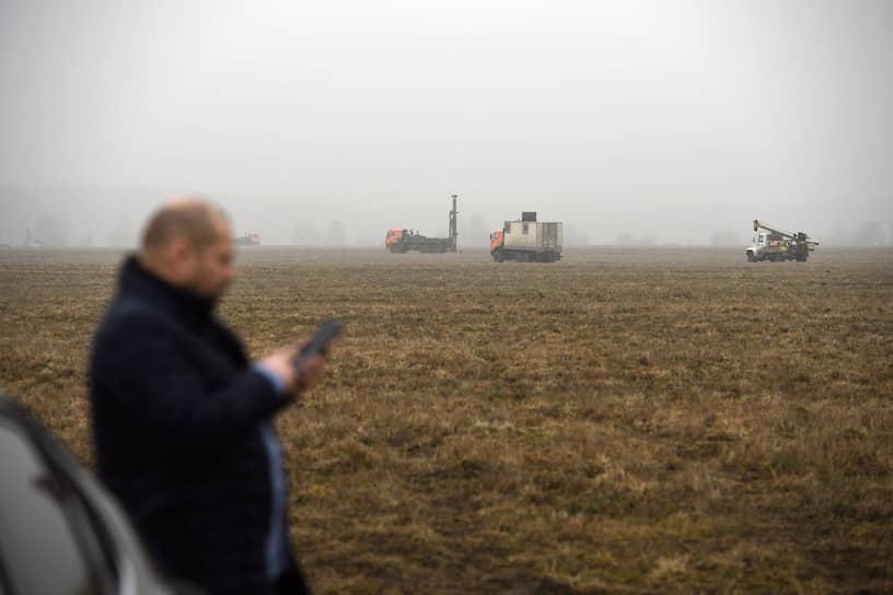 10 марта для строительства больницы была выбрана площадка (на фото) в Новой Москве, расположенная за «бетонным кольцом», где нет крупных жилых комплексов
