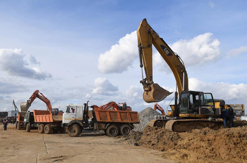 Свыше 10 тыс. строителей, проектировщиков, поставщиков материалов и оборудования были задействованы для строительства больницы из быстровозводимых конструкций