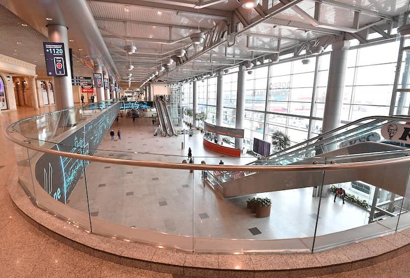 3 апреля аэропорт Домодедово закрыл зону международных вылетов. Второй по пассажиропотоку аэропорт РФ в феврале 2020 года обслужил 1,9 млн пассажиров