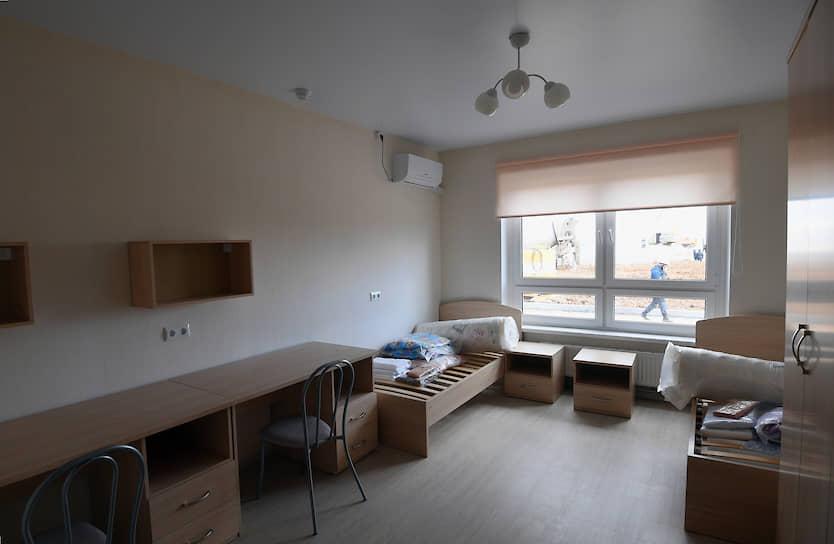 По данным мэрии Москвы, быстровозводимая больница сможет работать порядка 20-30 лет. На фото: комната в общежитии для медперсонала