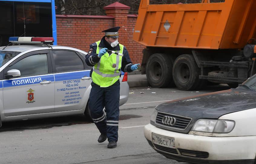 Пост ГИБДД при въезде в Москву на Киевском шоссе