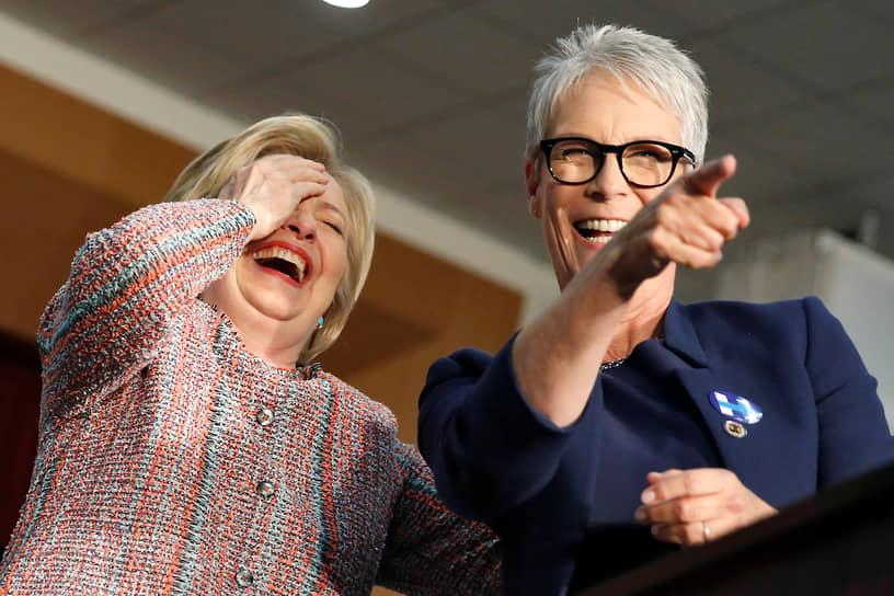 <b>Джейми Ли Кертис (справа), актриса, писатель</b><br> Стала донором в 2011 году после цунами в Японии. Обращаясь с призывам сдавать кровь, актриса сказала: «В то время, как мир остолбенел от шока, мы можем помочь. Сделайте что-то прямо сейчас»