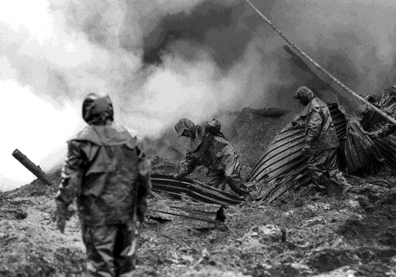 2 марта 1992 года произошел выброс нефти на нефтяном месторождении в поселке Мингбулак в Узбекистане, что привело к разливу свыше 285 тыс. тонн нефти