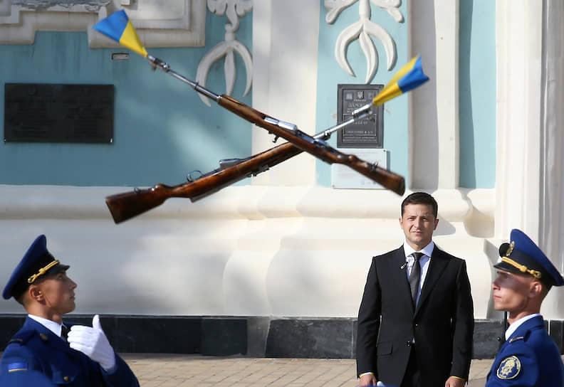 23 августа 2019 года. Церемония торжественного поднятия государственного флага Украины на Софийской площади