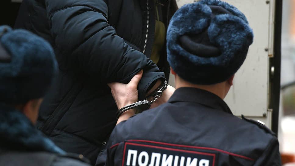 Полицейские сыграли с адвокатом в куклу
