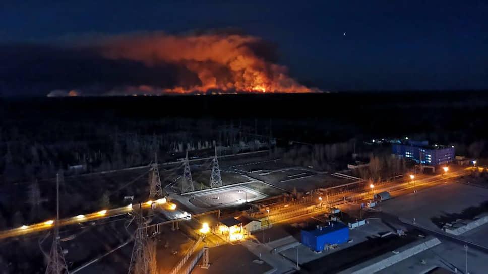 Как в годовщину аварии в зоне Чернобыльской АЭС возникла новая экологическая угроза