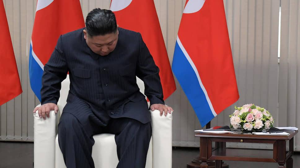 С 11 апреля Ким Чен Ын появляется на публике лишь в старых записях