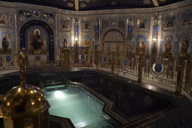 По словам начальника генерального штаба Вооруженных сил Валерия Герасимова, в иконостасе храма будут собраны 48 икон по количеству месяцев Великой Отечественной войны