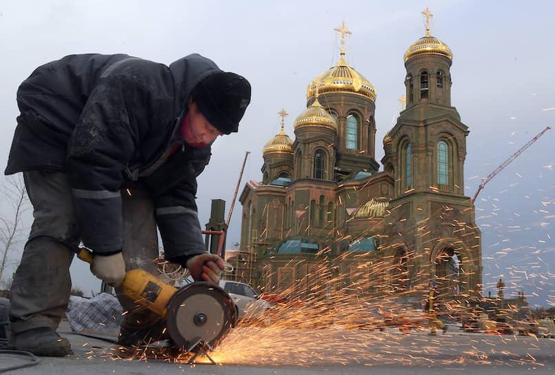 Главный военный храм России строится к 75-летию Победы в Великой Отечественной войне