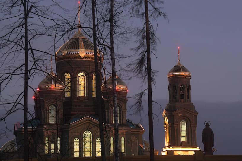 Высота храма — 95 метров. Он станет третьим по высоте православным храмом в мире после храма Христа Спасителя и Исаакиевского собора