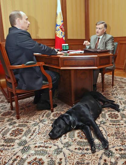 18 мая 2006 года. На встрече с главой РЖД Владимиром Якуниным в сочинской резиденции «Бочаров ручей»