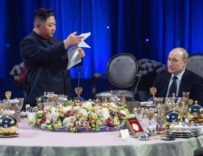 25 апреля 2019 года. С лидером КНДР Ким Чен Ыном на приеме во Владивостоке
