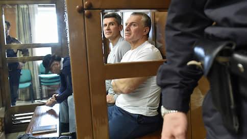 Суд не принял $750 млн  / Братьев Магомедовых не выпустили из «Лефортово»