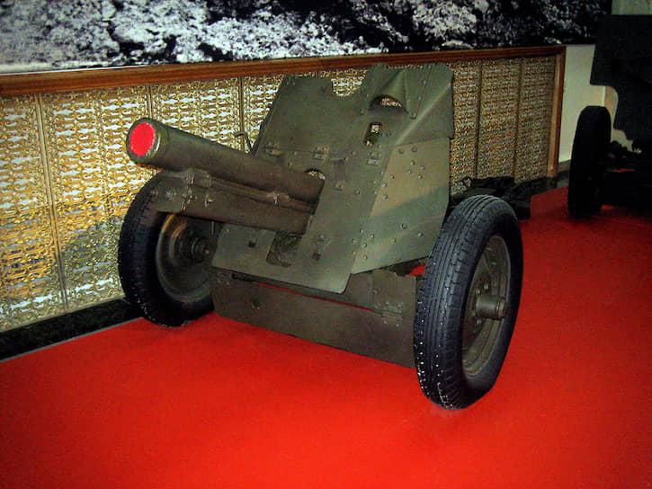76-мм полковая пушка, активно использовавшаяся на завершающем этапе Великой Отечественной войны, была разработана в 1942—1943 годах силами инженеров-заключенных в ЦКБ-39