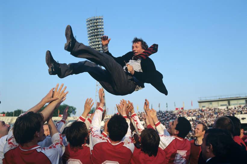 В 1992-2005 годах Юрий Семин вновь работал главным тренером «Локомотива». Под его руководством клуб дважды выигрывал чемпионат России (2002, 2004), четыре раза становился серебряным призером (1995, 1999, 2000, 2001) и два раза — бронзовым (1994, 1998)