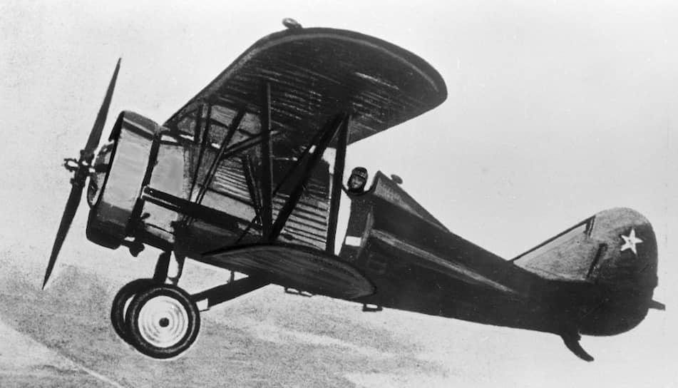 Первенец ЦКБ-39 — истребитель И-5, созданный под руководством заключенных авиаконструкторов Николая Поликарпова и Дмитрия Григоровича. В 1932 году он был принят на вооружение ВВС СССР, использовался в начале Великой Отечественной войны. Первый прототип самолета носил название «Внутренняя тюрьма — 11» (ВТ-11)