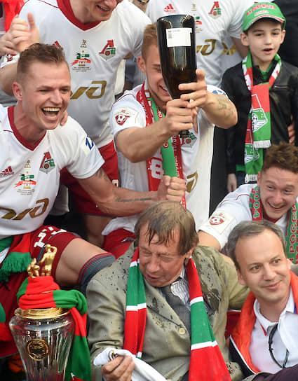 В мае 2018 года Юрий Семин продлил контракт с клубом по схеме «1+1»