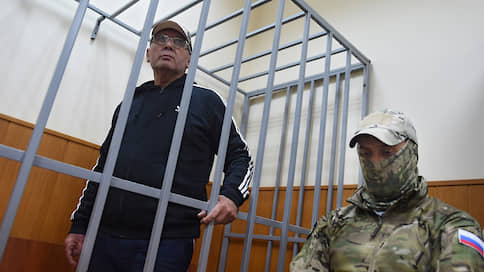 Адвокат ждет домашней изоляции  / Мосгорсуд отменил полугодовое содержание под стражей Дагира Хасавова