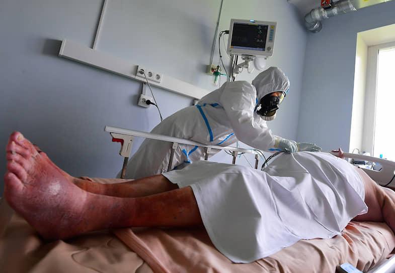 Подключение к аппарату искусственной вентиляции легких — крайняя мера во время терапии COVID-19