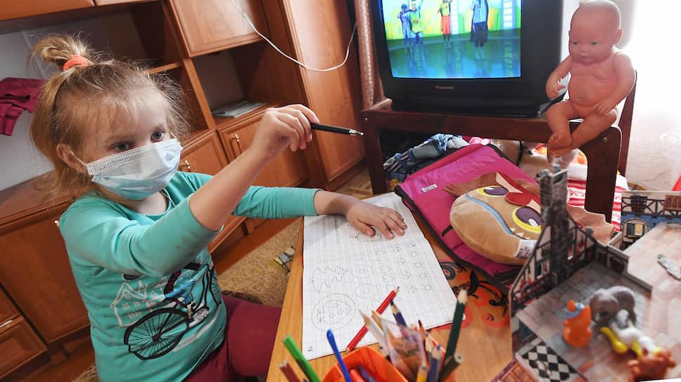 Сенаторы не пустят антипрививочников в школу / Совфед представил пакет предложений по изменению законодательства в связи с эпидемией COVID-19