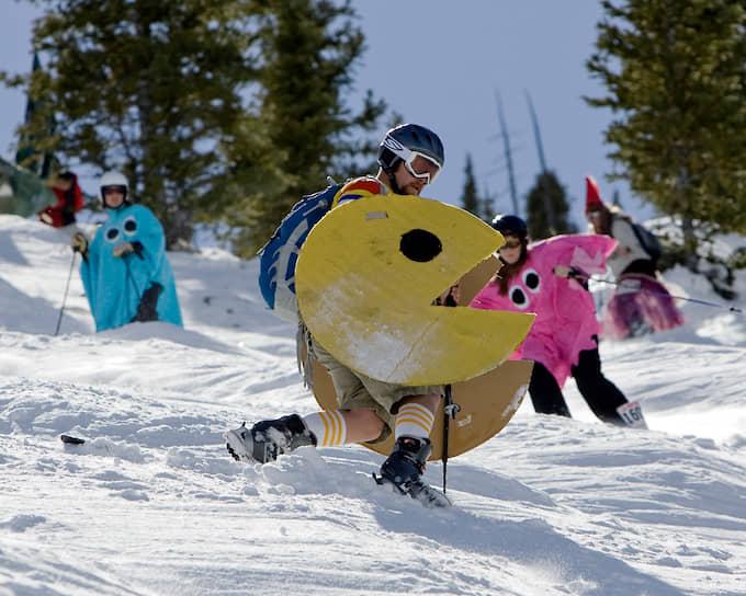В 1982–1984 годах вышло два сезона анимационного сериала Pac-Man — первого мультфильма по мотивам видеоигры <br> На фото: лыжные гонки в американском штате Колорадо