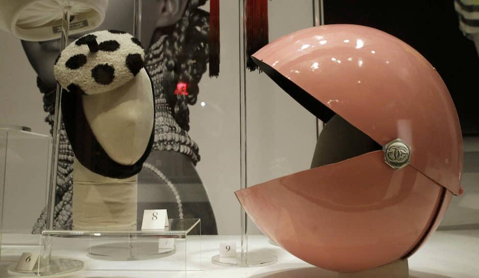 Шлем Pac-Man, разработанный известным британским дизайнером головных уборов Стивеном Джонсом