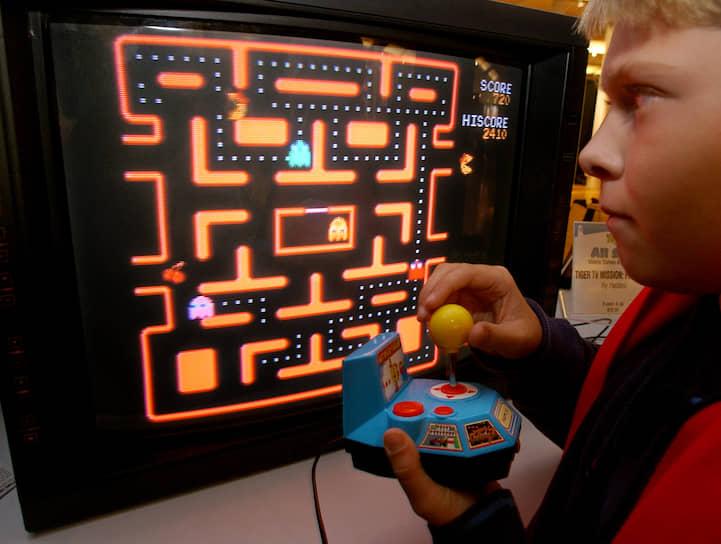Видеоигра Pac-Man, разработанная японской компанией Namco, вышла 22 мая 1980 года на аркадных игровых автоматах и сначала была не очень успешна на родине