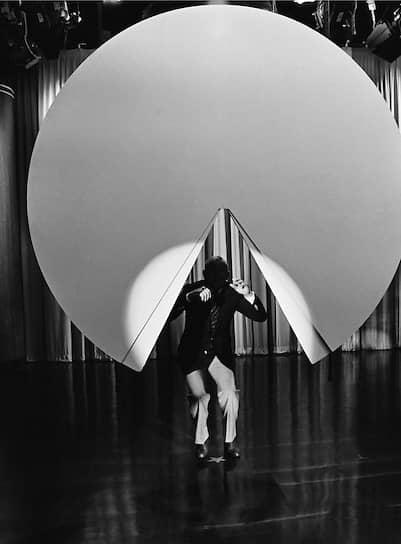 Все изменилось, когда спустя семь месяцев игра вышла в Северной Америке и сразу стала хитом <br> На фото: популярное вечернее шоу Джонни Карсона 1982 года