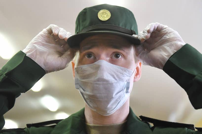 Родители и близкие военнослужащих в этом году к военной присяге допускаться не будут