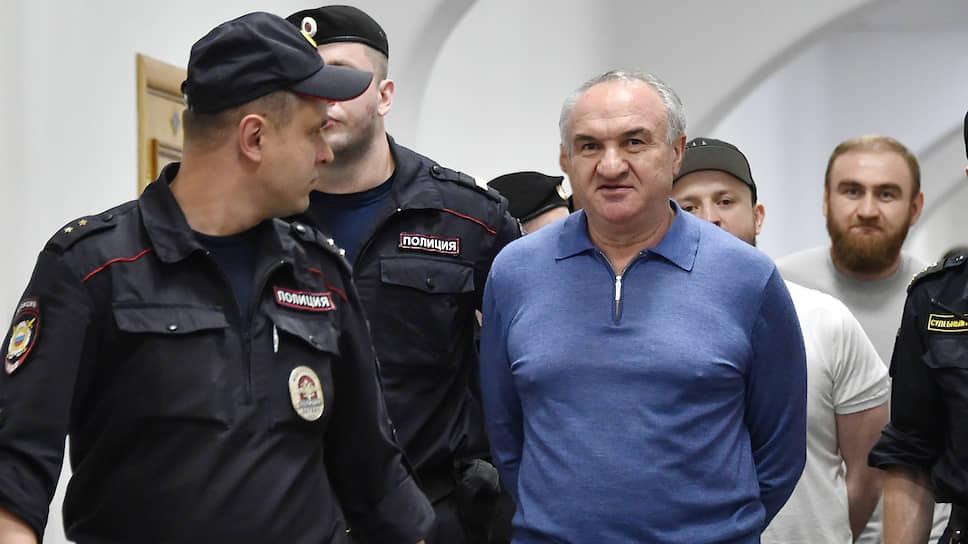 Бывший сенатор от КЧР Рауф Арашуков