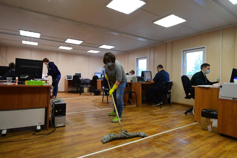 В Центральной клинической больнице Российской академии наук волонтеры помогают медикам в бытовых и организационных вопросах