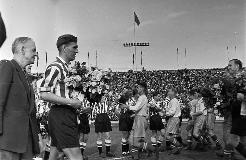 В начале 1948 года всерьез рассматривался вопрос о расформировании «Зенита». Однако город помог, Константин Лемешев вернулся в команду, и в двух следующих сезонах команда выступала успешно