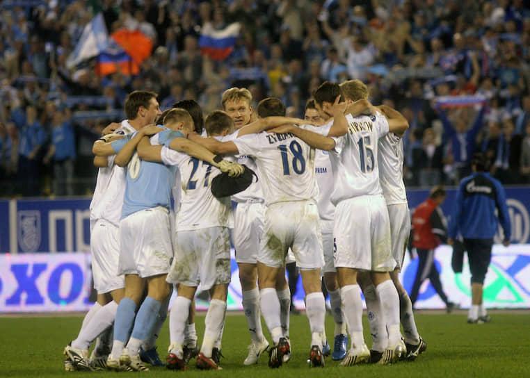 Весной 2008 года «Зенит» одолел в play-off Кубка УЕФА испанский «Вильярреал», французский «Марсель», немецкий «Байер», а «Баварию» разгромил на «Петровском» со счетом 4:0. В финале питерский клуб обыграл шотландский «Глазго Рейнджерс» 2:0 и выиграл европейский трофей. В том же году «Зенит» выиграл Суперкубок Европы