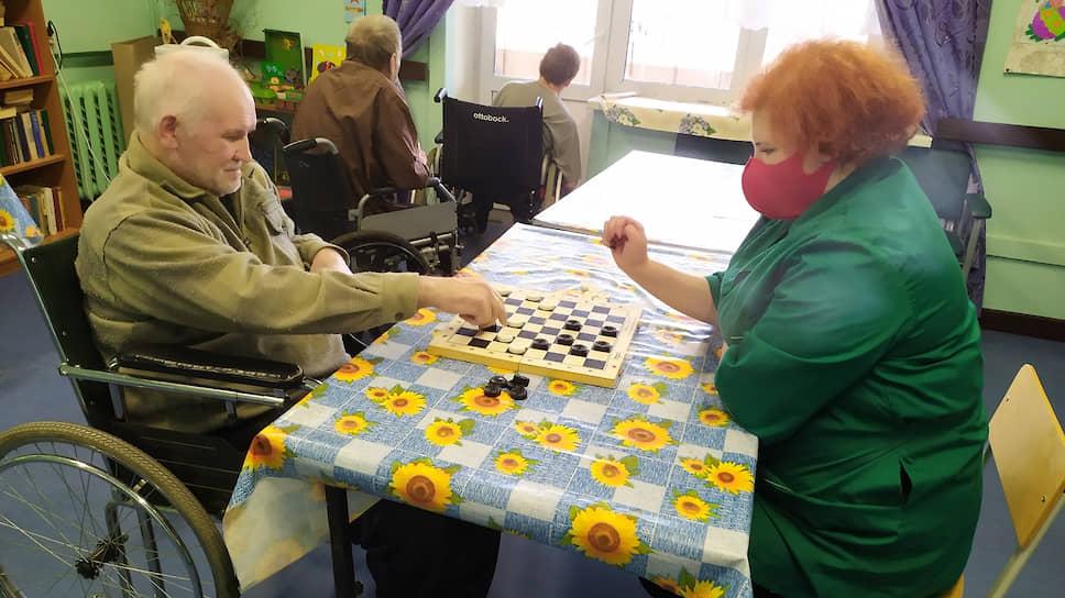 Занятость помогает сохранить здоровье пожилых граждан