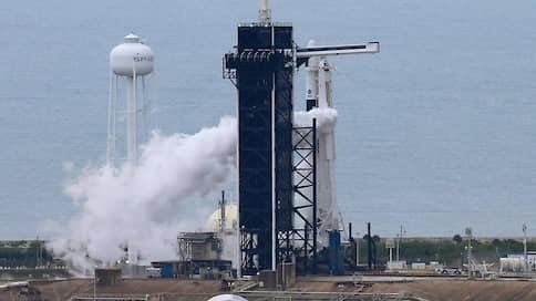 «Дракон» не взлетел / В США сорвался первый пилотируемый старт космического корабля компании SpaceX