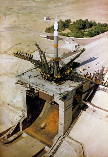 16 июня 1965 года с Байконура состоялся первый пуск ракеты-носителя«Протон». В 1986 году с ее помощью на орбиту был выведен базовый блок орбитальной станции «Мир». Научно-исследовательская станция функционировала в космическом пространстве до 2001 года