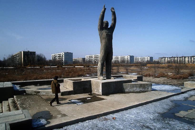 После распада СССР в 1991 году космодром стал собственностью Республики Казахстан, после чего пережил годы кризиса