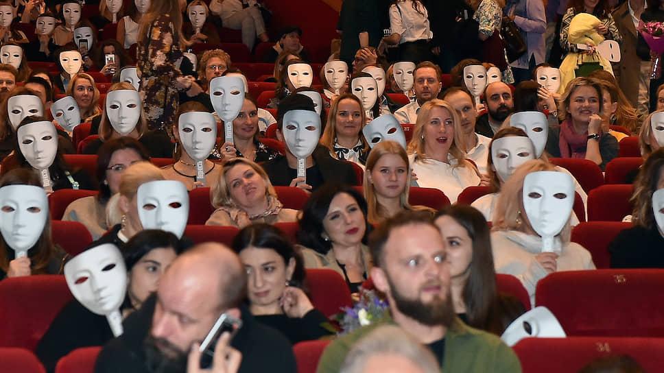 Какой срок выхода из карантина обозначило кинотеатрам правительство