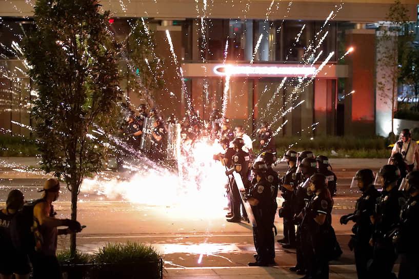 28 мая для поддержания порядка в Миннеаполис было направлено свыше 500 бойцов Национальной гвардии США и введен режим чрезвычайной ситуации