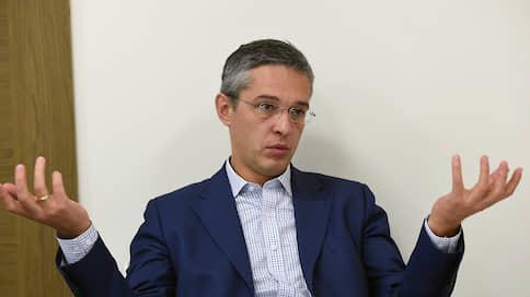 Глава РВК задержался на допросе  / В деле о злоупотреблениях с инвестициями перешли с обысков на личности