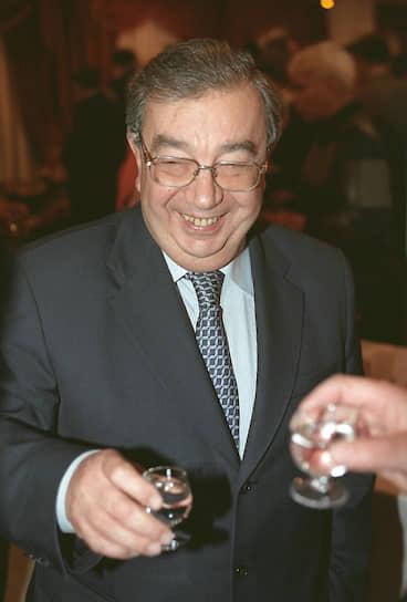 2002 год. Депутат Госдумы Евгений Примаков на пресс-конференции «Чего ждать предпринимателям от нынешней сессии Госдумы?»