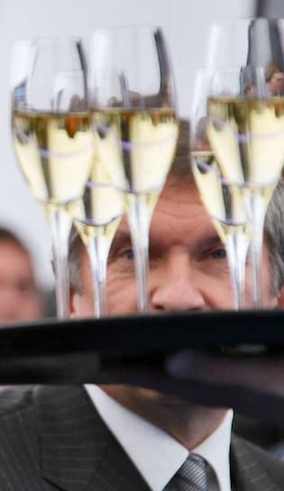 2010 год. Заместитель председателя правительства России Игорь Сечин на церемонии пуска в эксплуатацию газопровода Соболево-Петропавловск-Камчатский