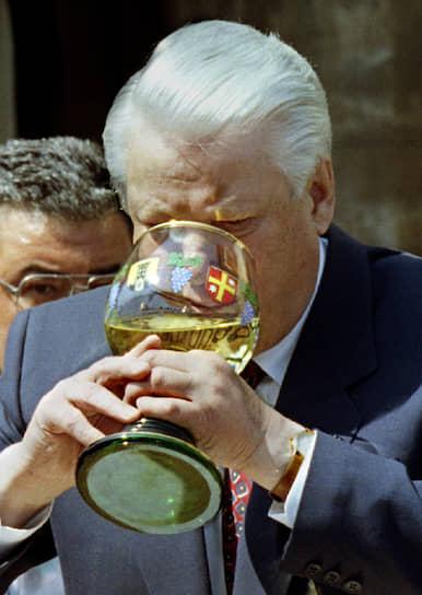 1994 год. Президент России Борис Ельцин во время визита в немецкий город Дайдесхайм