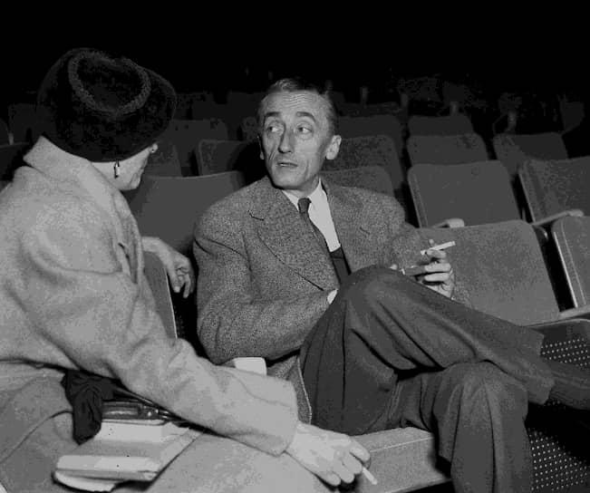 В годы Второй мировой войны Кусто начал заниматься подводными съемками и созданием научно-исследовательских документальных фильмов на базе собственных материалов
