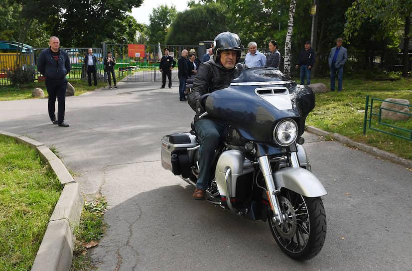 2019 год. Губернатор Ленинградской области Александр Дрозденко