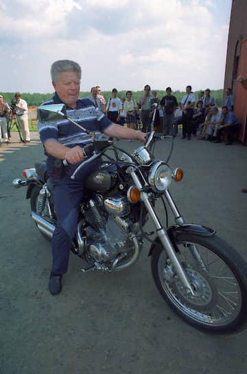 1999 год. Офтальмолог Святослав Федоров