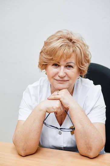 <b>Людмила Самойлова, заведующая клинико-диагностической лабораторией Специализированной клинической детской инфекционной больницы, Краснодарский край. Стаж работы — 48 лет</b><br> С первых дней пандемии занимается диагностикой больных с COVID-19. Лаборатория работает в режиме 24/7. Девиз Людмилы Самойловой: «Относись к людям так, как хочешь, чтобы они относились к тебе»